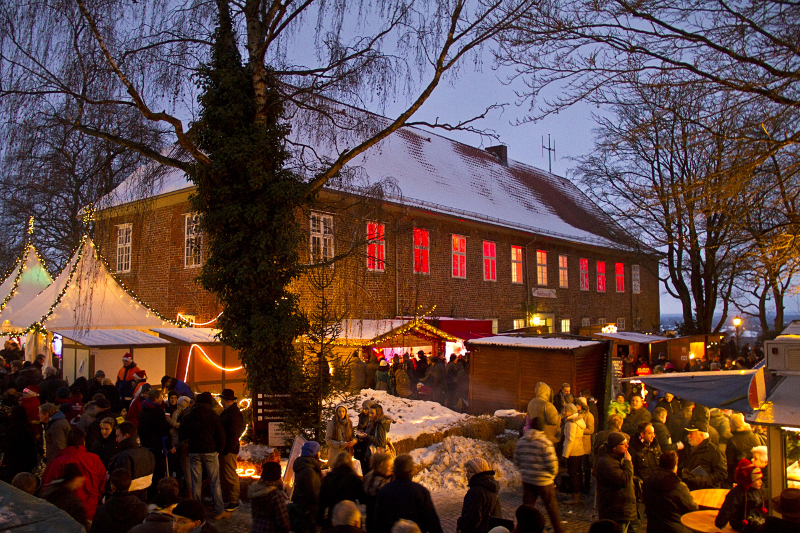 Weihnachtsmarkt Ratzeburg.Der 48 Lauenburger Weihnachtsmarkt Am Schloss öffnet Wieder Seine